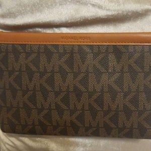 📍Michael Kors Brown Belt Bag fanny pack